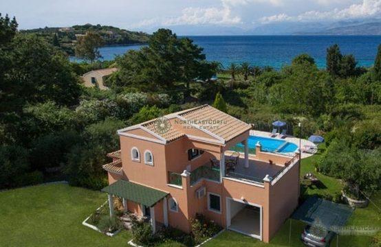 Villa close to the sea