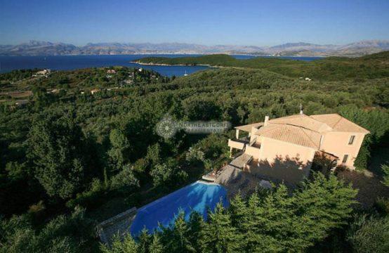 Villa above Avlaki Bay…